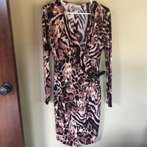 Animal print faux wrap dress / faux leather buckle